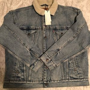 Levi's Sherpa-lined Oversized Trucker Jacket NWT
